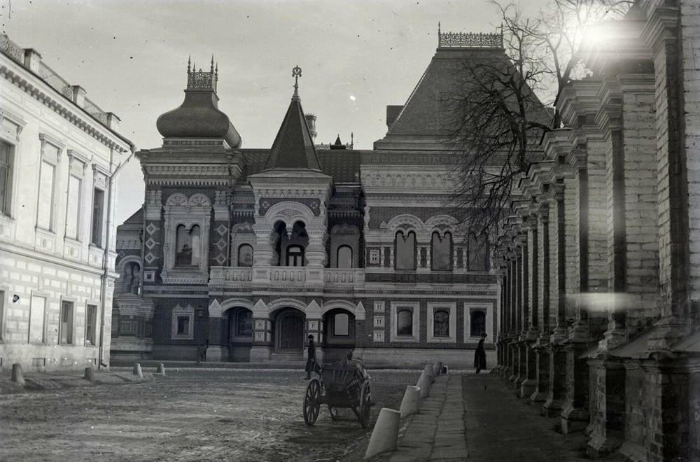 La maison Igoumnov, actuelle ambassade de France en Russie, située rue Bol'shaya Yakimanka à Moscou..
