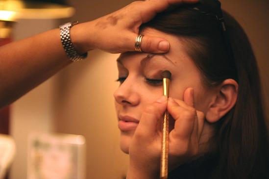 makeup-677200_1920.jpg