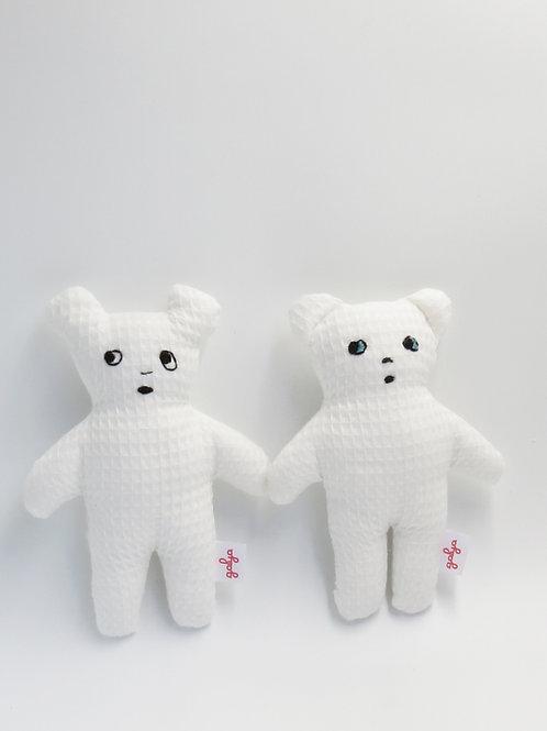 דובים קטנים מבד פיקה לבן