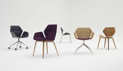 A variety of base designs are available for Ginkgo Lounge Low Back, each with their own distinct style.