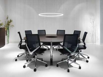 Creating a conference chair that provided unparalleled comfort and excellent lumbar support that worked with each individual user.