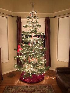 christmas_tree_balloon_ornaments.jpg