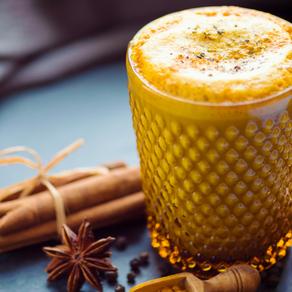 Golden milk: o que é, benefícios e receita especial