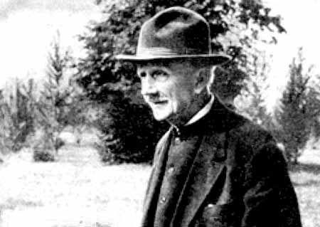 Століття Станіслава: коротка розповідь про довге життя Людкевича