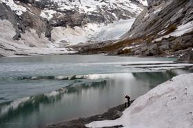 2015-05-29-5082 glacier Josteabsbreen