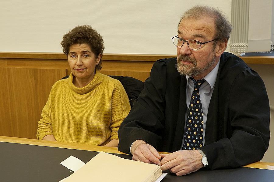 Pädpphile Richter Anwälte Polizei Politker Pedoga Dr. Andrea Christidiste