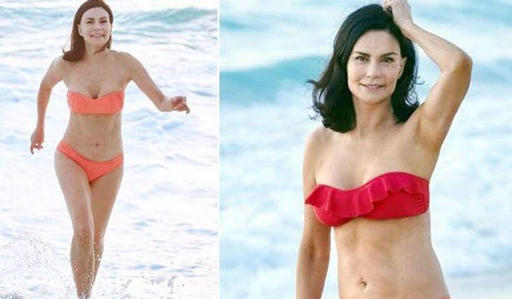 50 Jahre alte Frauen in Bikinis