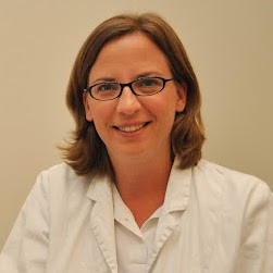 Dr Julia Lämmerhirt