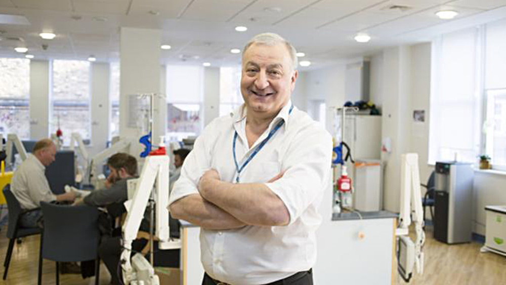 Renommierter Onkologe stirbt wenige Minuten nach Impfung an Autoimmunreaktion! | Legitim.ch