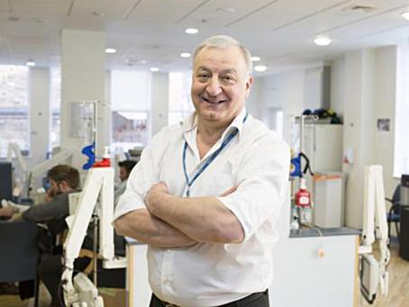 Renommierter Onkologe stirbt wenige Minuten nach Impfung an Autoimmunreaktion!