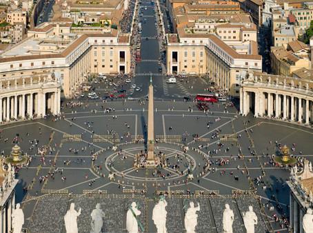 Vatikan: Papst Franziskus betet öffentlich Luzifer an und warnt vor einer direkten Beziehung zu Jesu