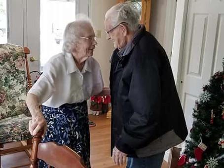 WTF: Paar wird nach 69 Jahren Ehe von Behörden bei Heimeinweisung getrennt!