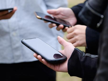 スマートフォンとガラケーは何が違う?携帯電話の昔ばなし