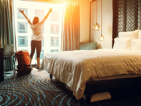 The hotel room adapts to the guests' needs for greater well-being