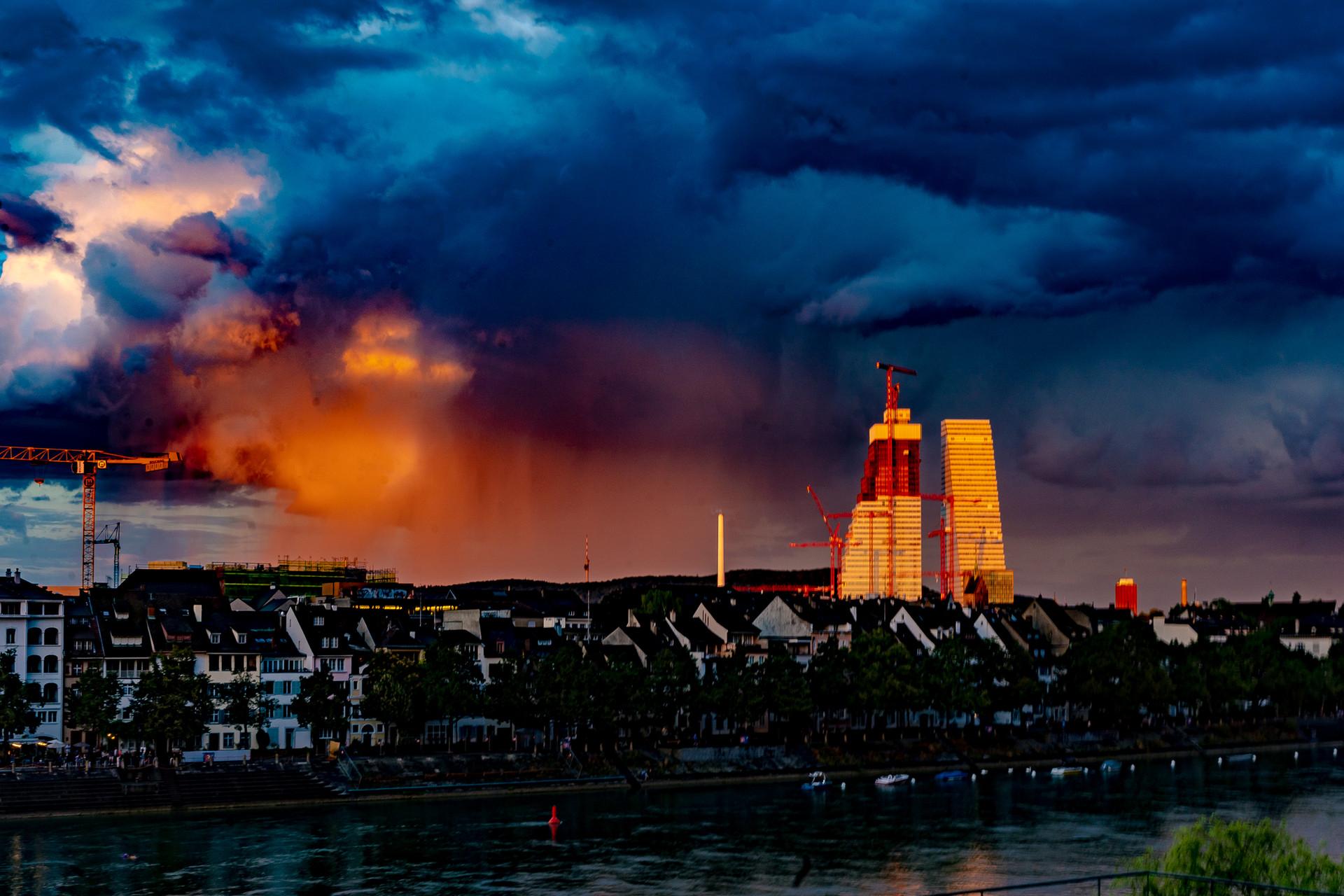 200818_Viswerk_Roche Basel sky colour.jp