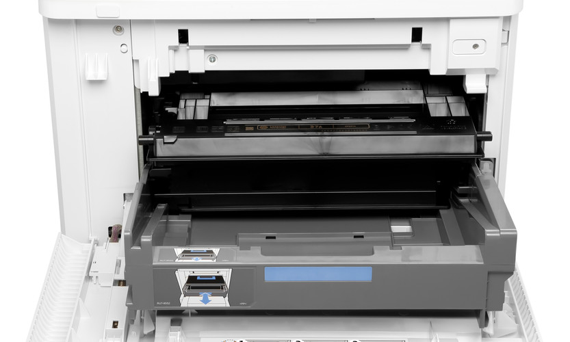 E60065x_detail_toner_in.jpg
