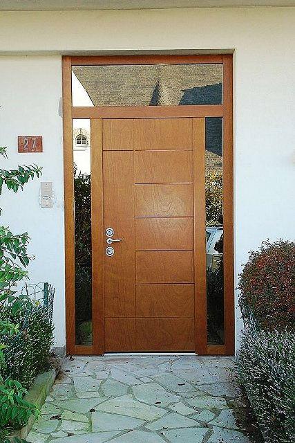 puerta principal moderna