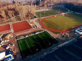 Frühling im Happyland: Bald haben die Kicker wieder echtes Grün unter den Füßen