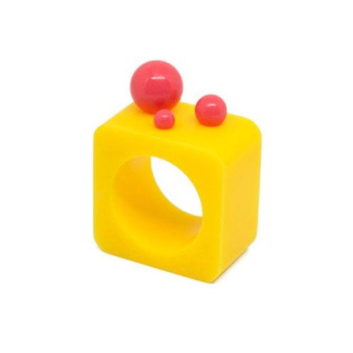 Dot Ring – Yellow/Pink Square