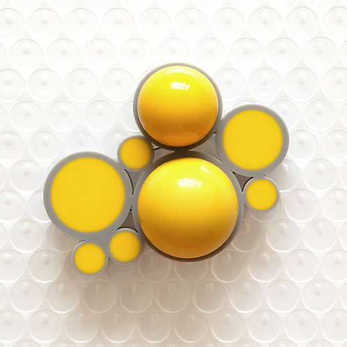 Push It Feel Good Brooch Grey/Yellow