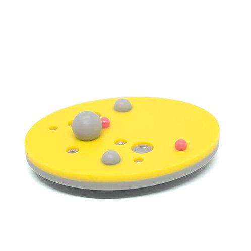 Dot Brooch Yellow/Grey/Pink