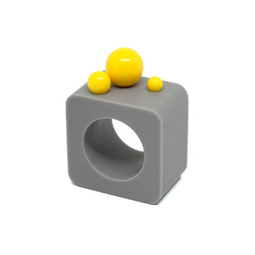 Dot Ring – Grey/Yellow Square
