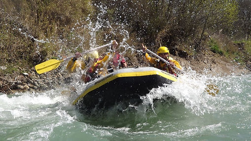 rafting-2224487_1920 (1).jpg