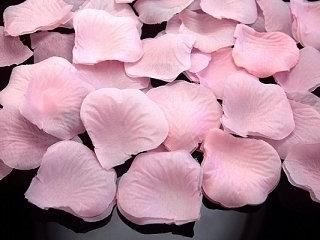 Pétales de roses synthétiques