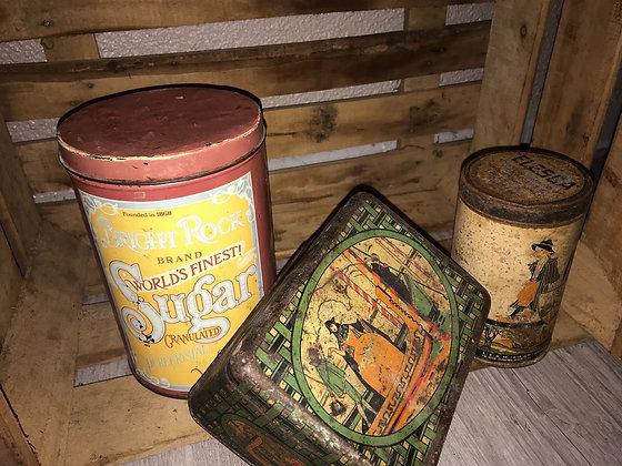 Lot de vieilles boites vintage rétro