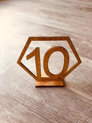 Numéros de table en bois en relief
