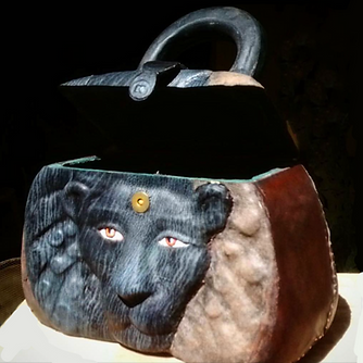Y.Kale-blck lion art bag.png