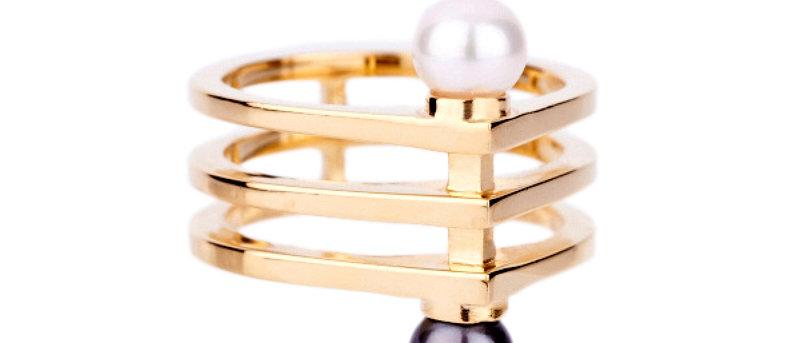 Geometric Two - Tone Pearl Ring