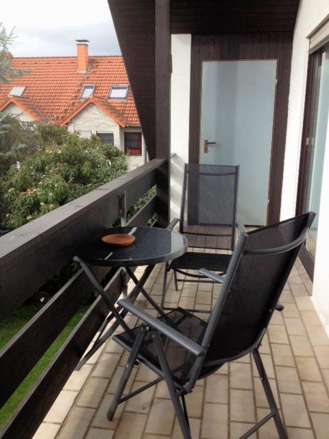 Balkon Blick in den Garten
