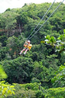 7 ziplines 5 minutes from San Juan!