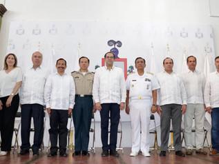 Entrega Gobernador nuevo Escudo de Armas  del Estado de Colima