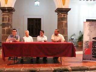 Presentan en Colima el libro Mis Tardes con Arreola, del poeta Efrén Rodríguez