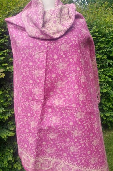 Fairtrade Reversible Nepal Shawl - Dusky Pink and Cream