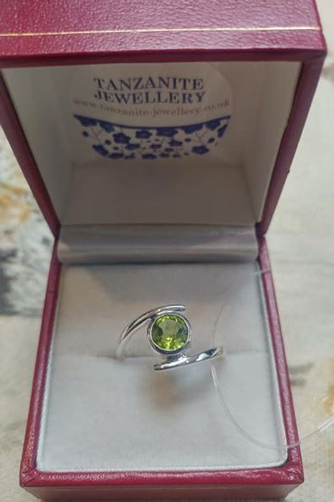 Peridot Round Cut Sterling Silver ring