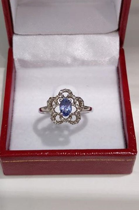 Tanzanite and White Topaz Lace Design Sterling Silver ring