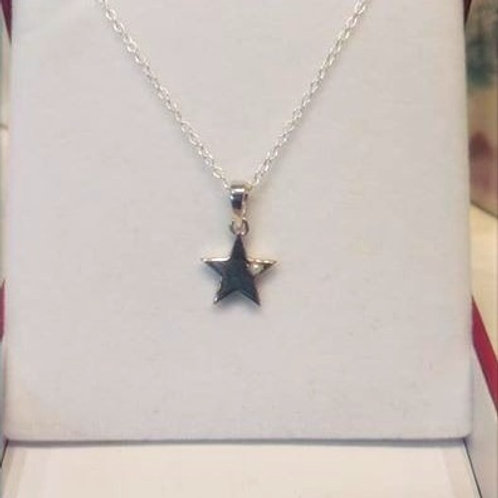 Pearl Star pendant set in Sterling Silver with chain