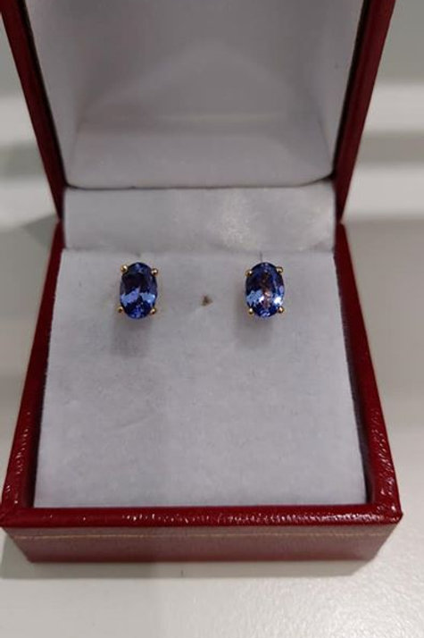 1.25 carat Tanzanite Oval Cut 9k Yellow Gold Earrings