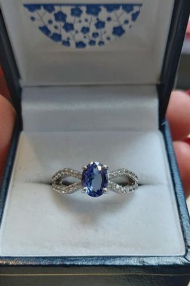 Tanzanite Oval Cut and White Zircon Sterling Silver ring