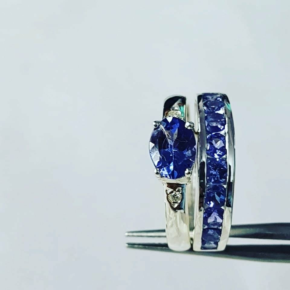 Tanzanite bespoke ring set