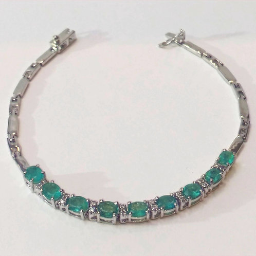 "Emerald and Diamond 7.5"" bracelet set in Sterling Silver"