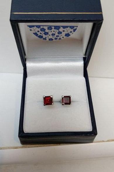 Garnet square cut prong set Sterling Silver stud earrings