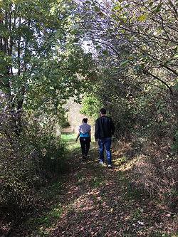sentier promenade près de La Cazotte de Broquiès
