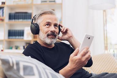 Middle-aged-man-listening_800.jpg