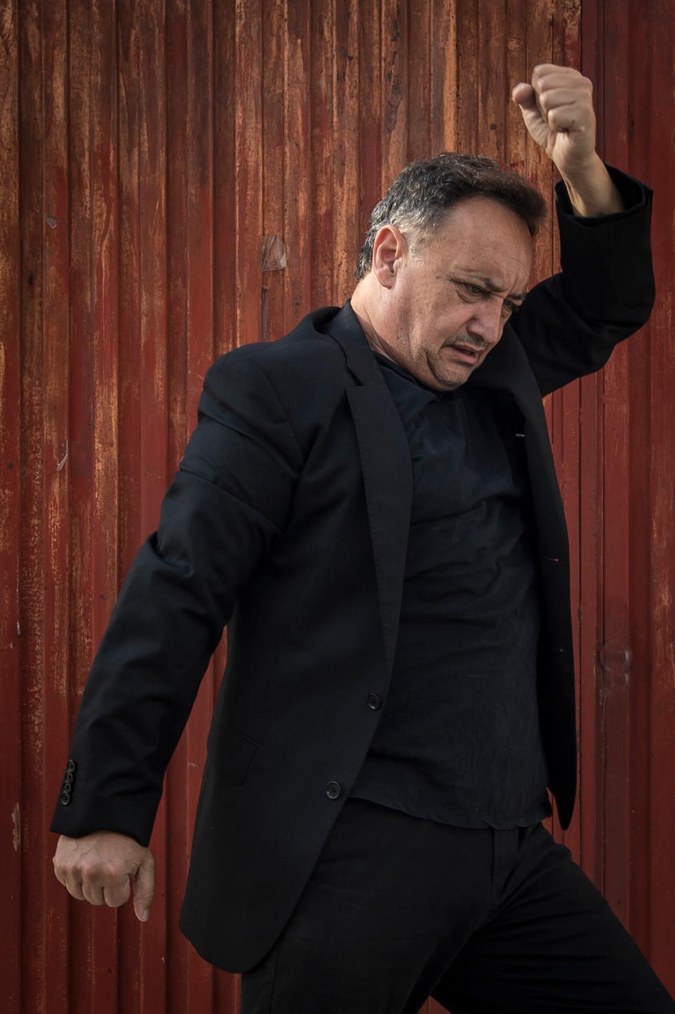 Flamenco-Tänzer-mit-Leidenschaft-4.jpg