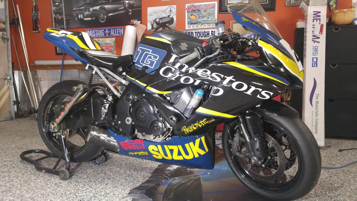 Group investor race bike - full wrap
