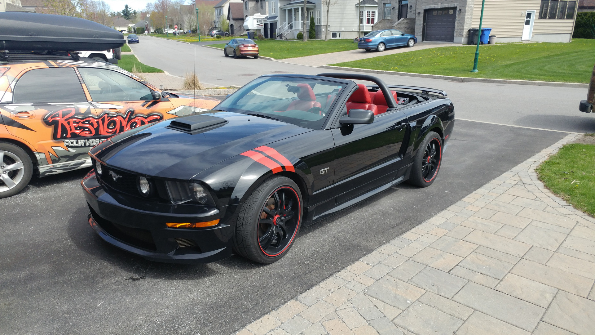 red stripes on mustang